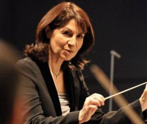 Claire Gibault, cheffe d'orchestre (*)